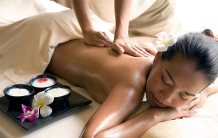 bua-thai-massage-masaz-z-olejkami-aromatycznymi